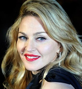 Russia sues Madonna for pro-gay comments