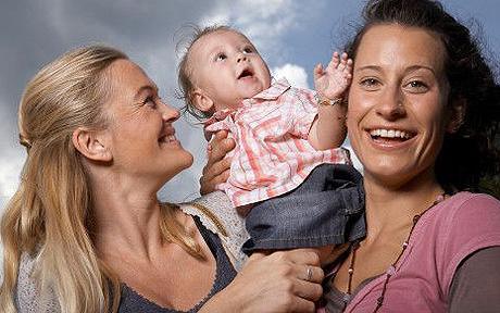 lesbian_mothers