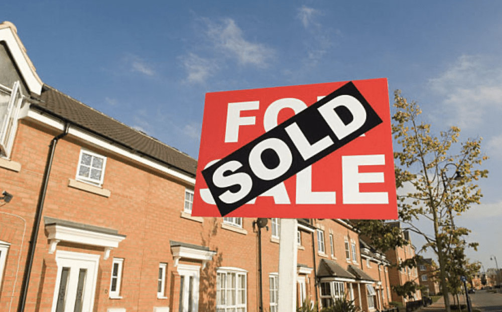 Leading building society announces no-fee interest-only mortgages.